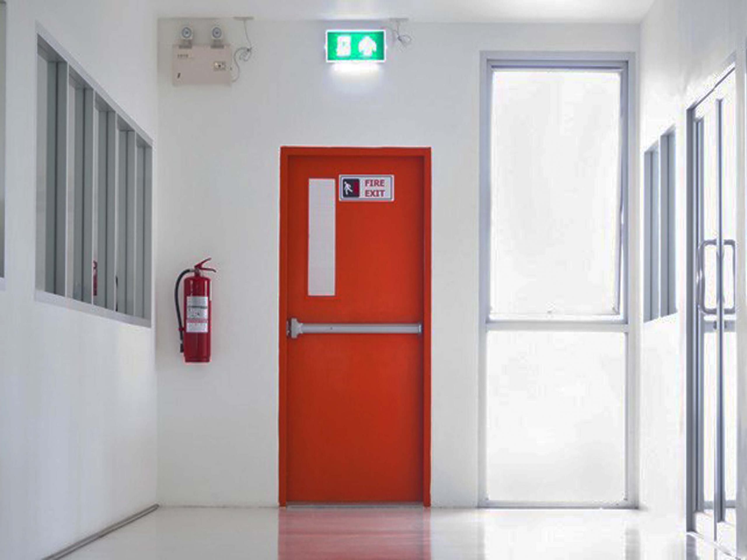 Cửa chống cháy thoát hiểm được sử dụng rất phổ biến
