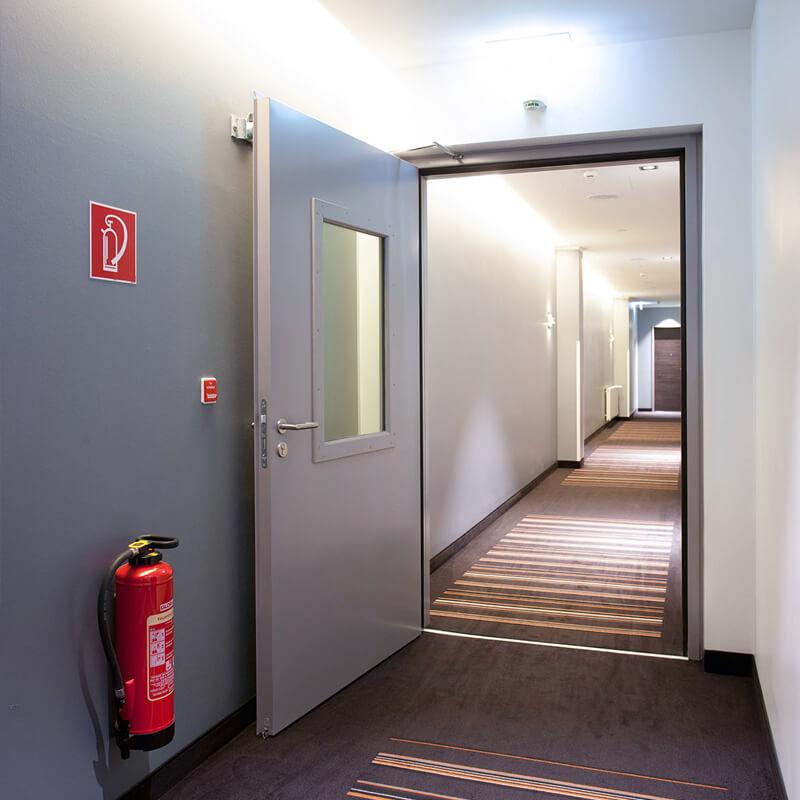 Có những loại cửa chống cháy nào phù hợp với chung cư?